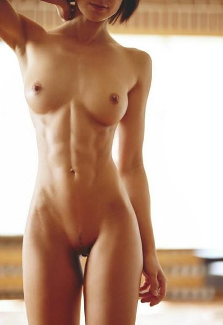 free nude cartoon wonder woman