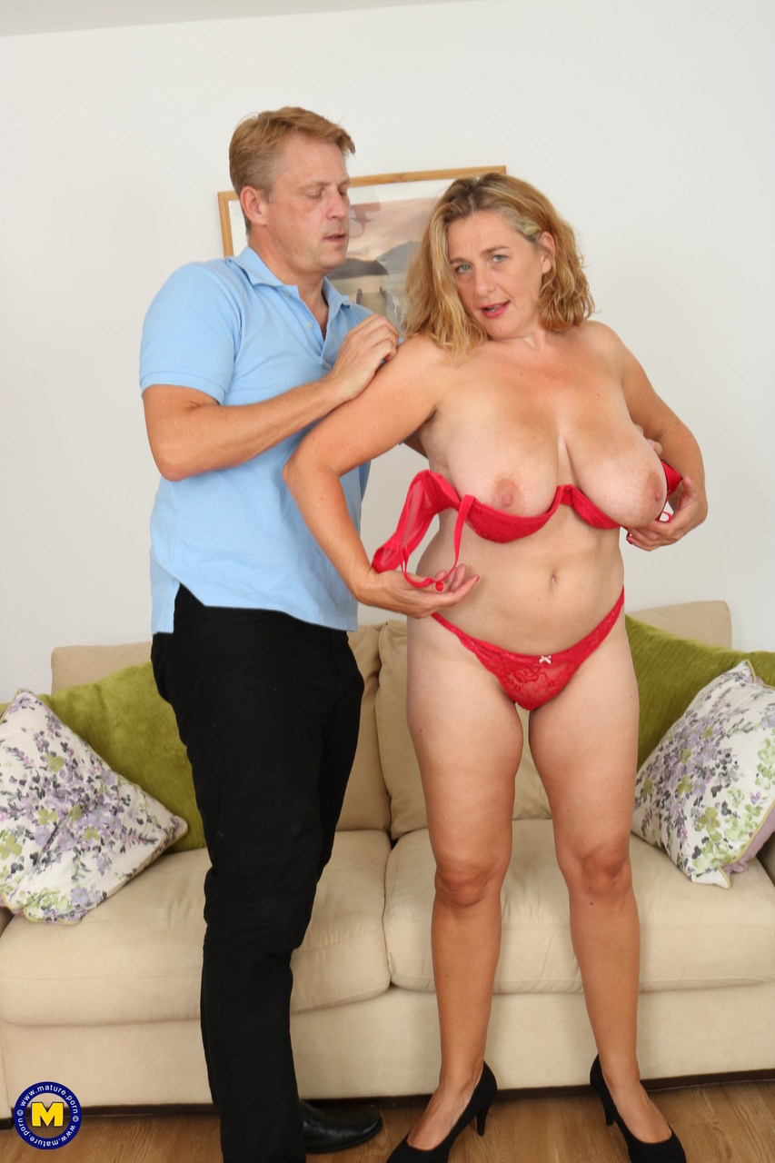 casting first threesome bff
